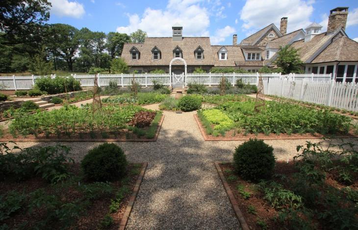 Rustic Garden Landscape Idea