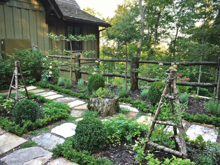 Small Rustic Wood Garden Fence
