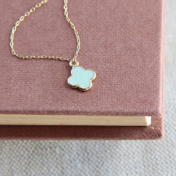 Leaf Clover Necklace Design
