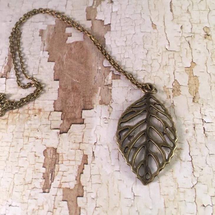Retro Bronze Leaf Necklace