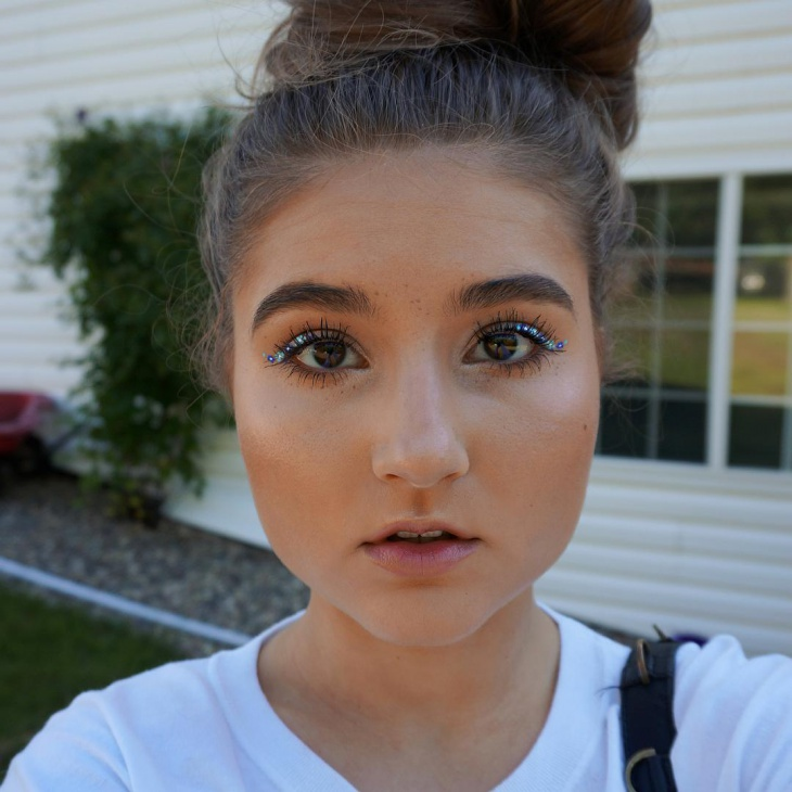 glitter eye hippie makeup