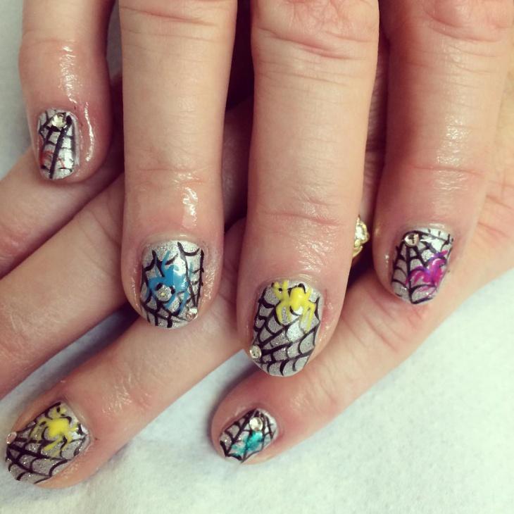 cute spider web nail manicure