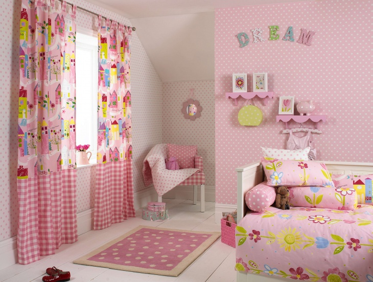 floral wallpaper in kid%e2%80%99s room