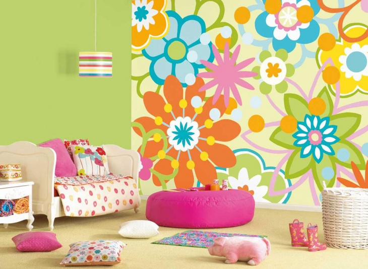 Floral Wallpaper in Kid's Room