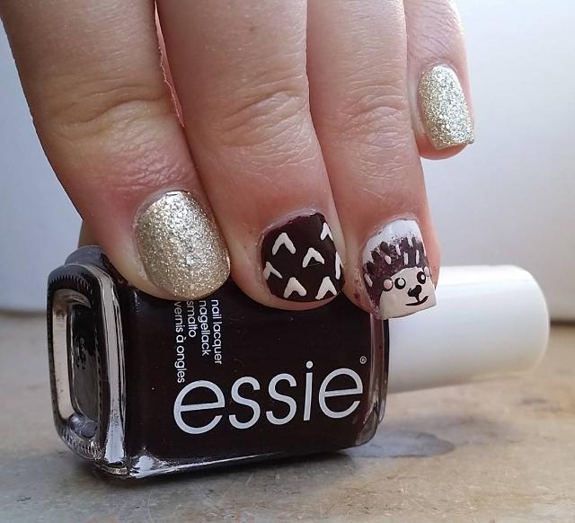 glitter hedgehog nails