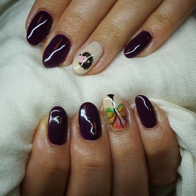 acrylic hedgehog nail art idea