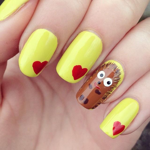 Hedgehog and Hearts Nail