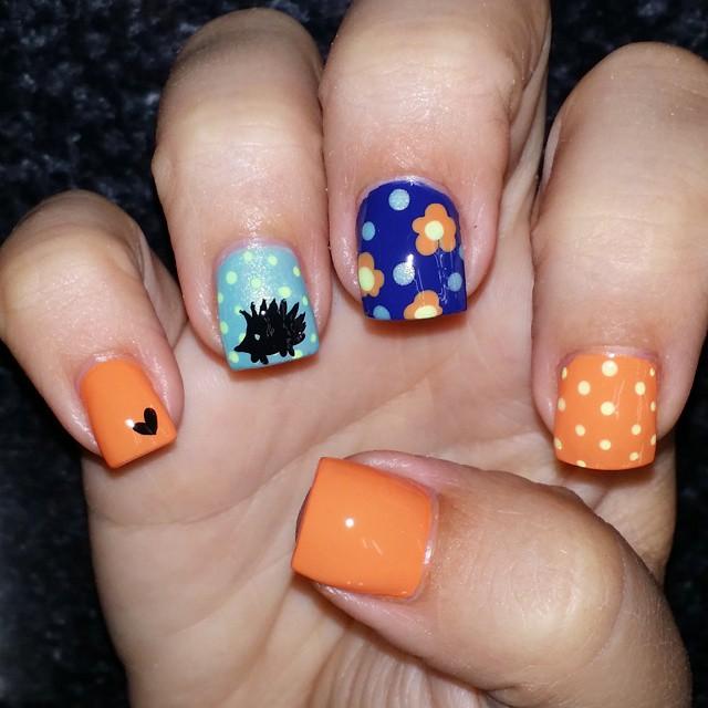 floral hedgehog nail art idea