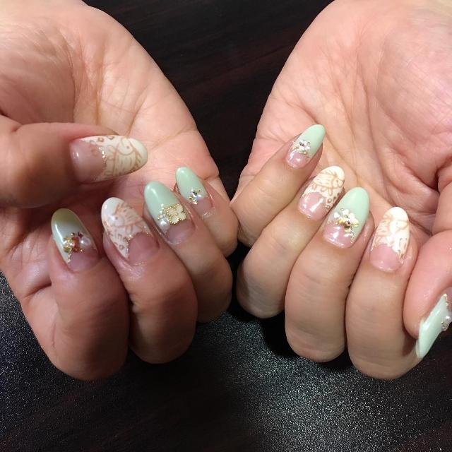 fancy hedgehog nail design