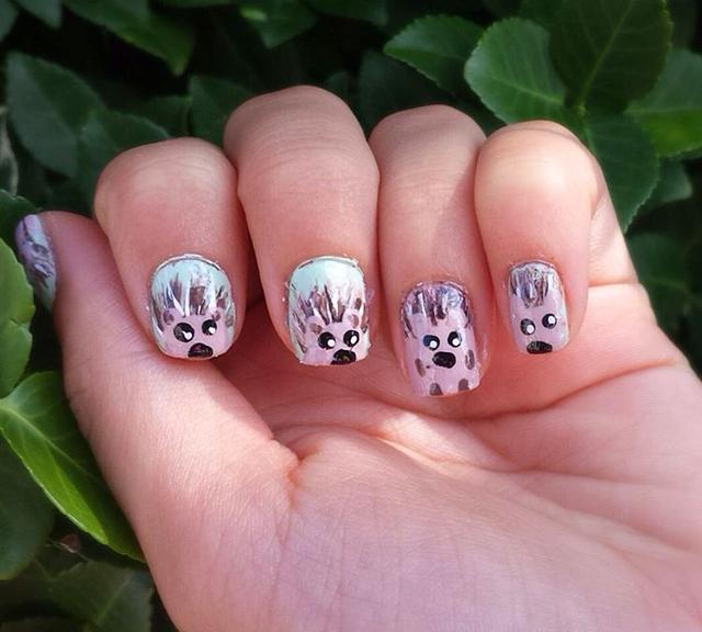 cute hedgehog nail design