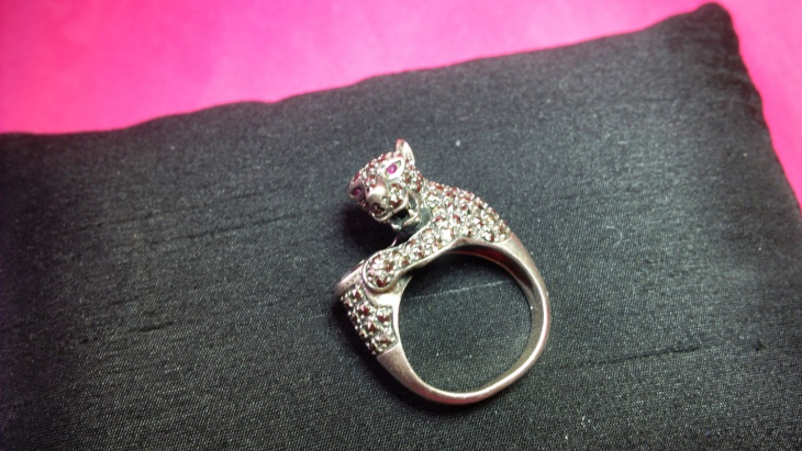 ruby cat ring