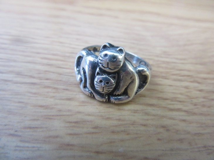 lovely cat ring design
