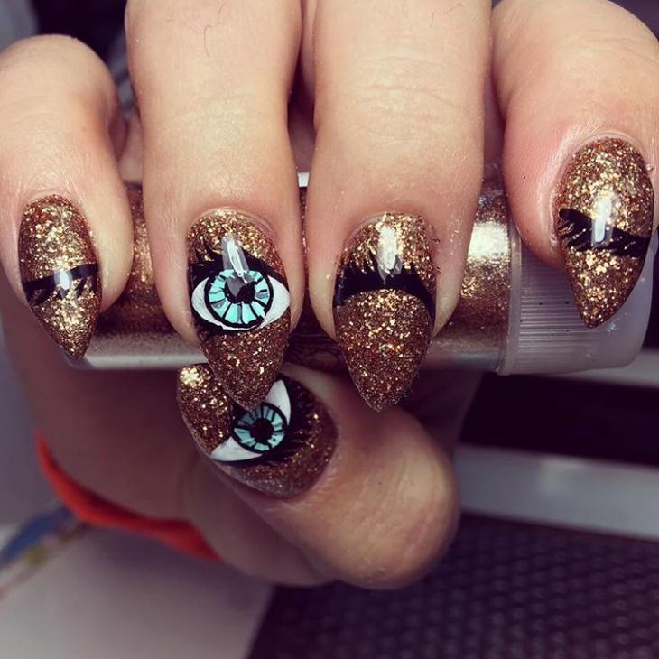 Glitter Eye Nail art