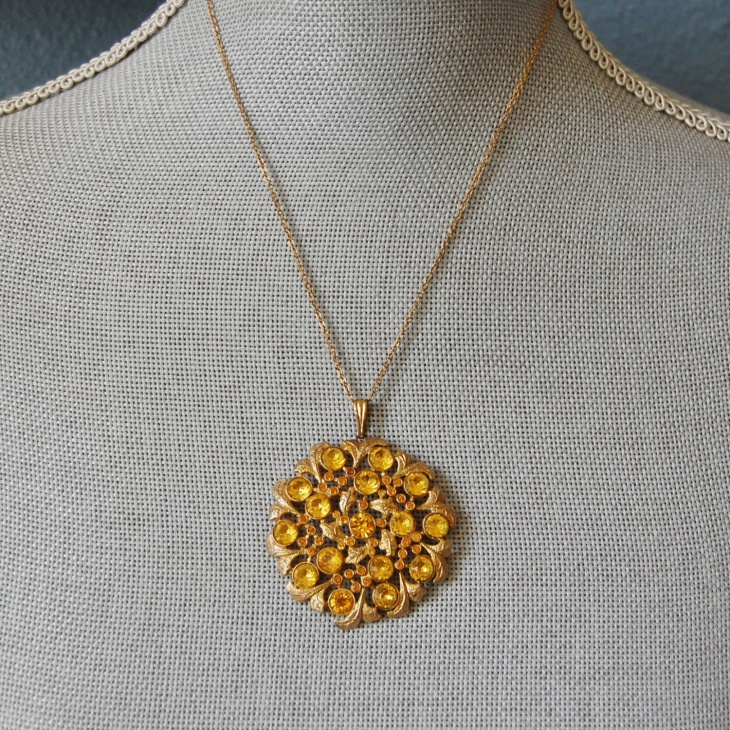 Yellow Gold Medallion Pendant Necklace