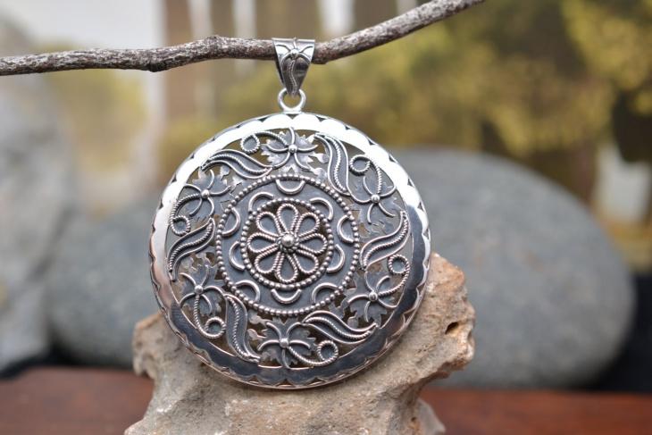 flower medallion pendant