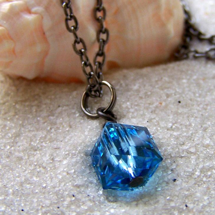 blue cube pendant neckalce