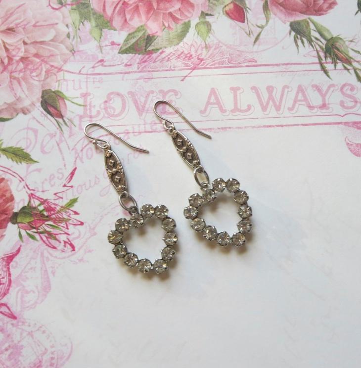 heart earrings design idea