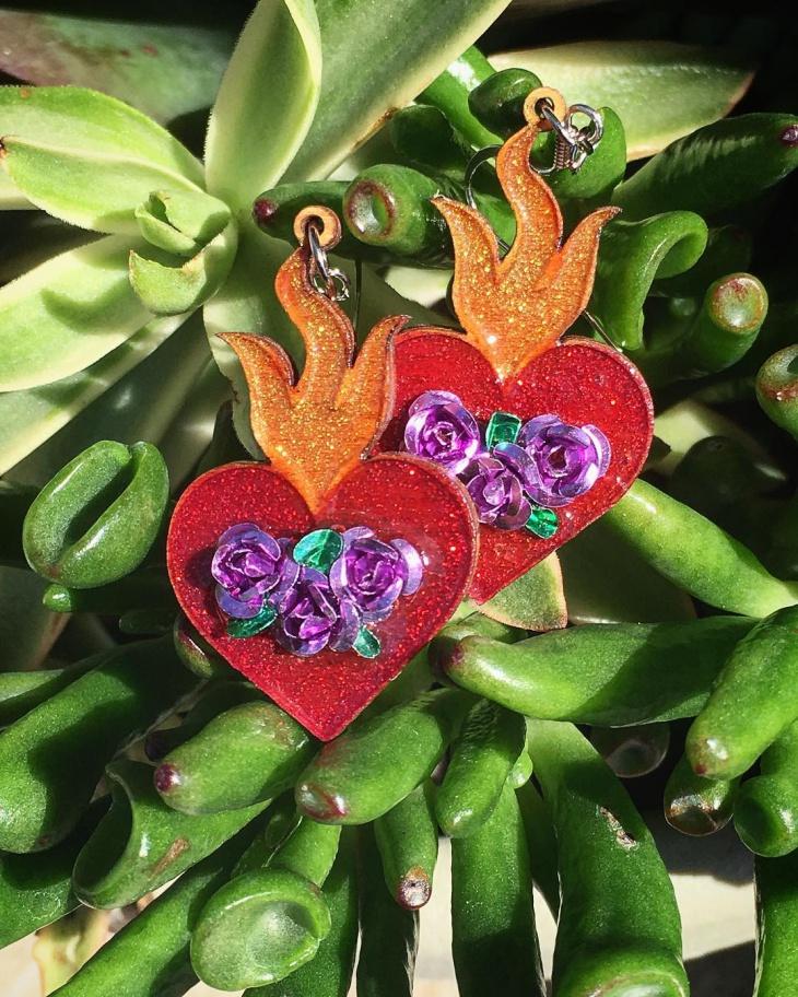 flower heart earrings design