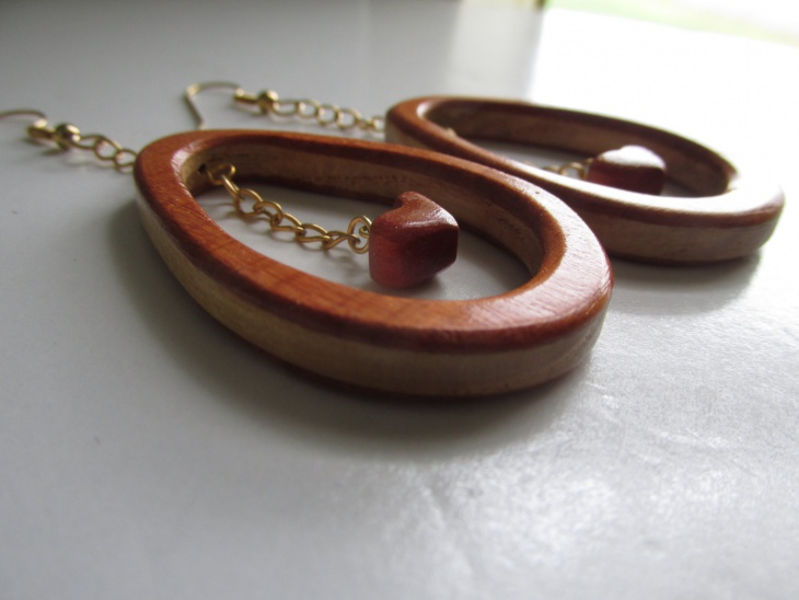 retro style heart shaped earrings