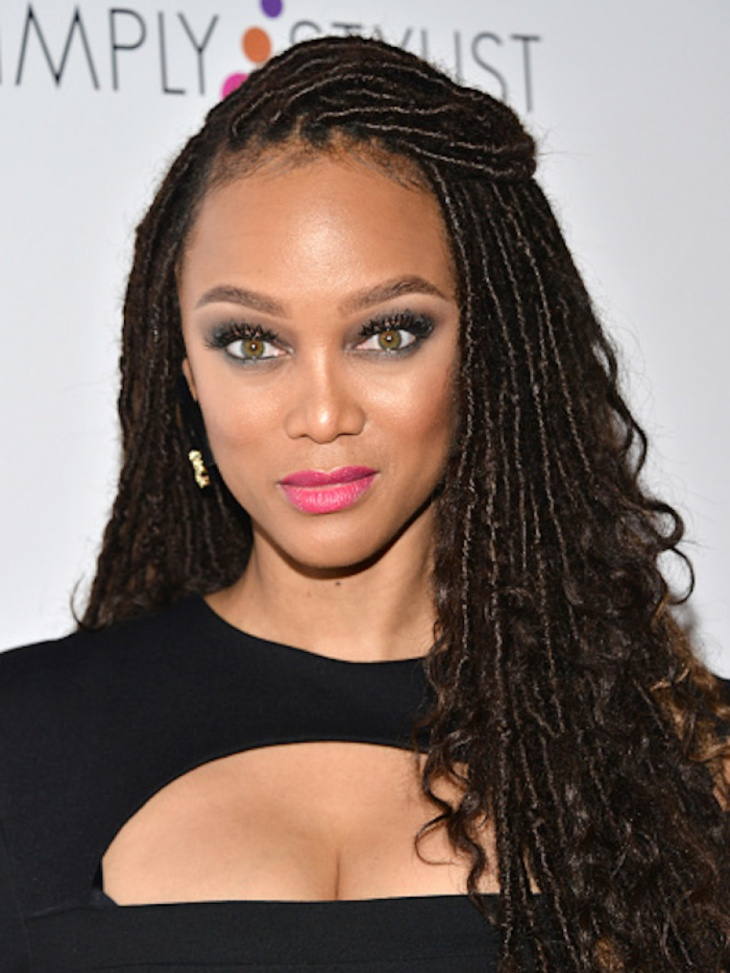 tyra banks long curly hairstyle idea