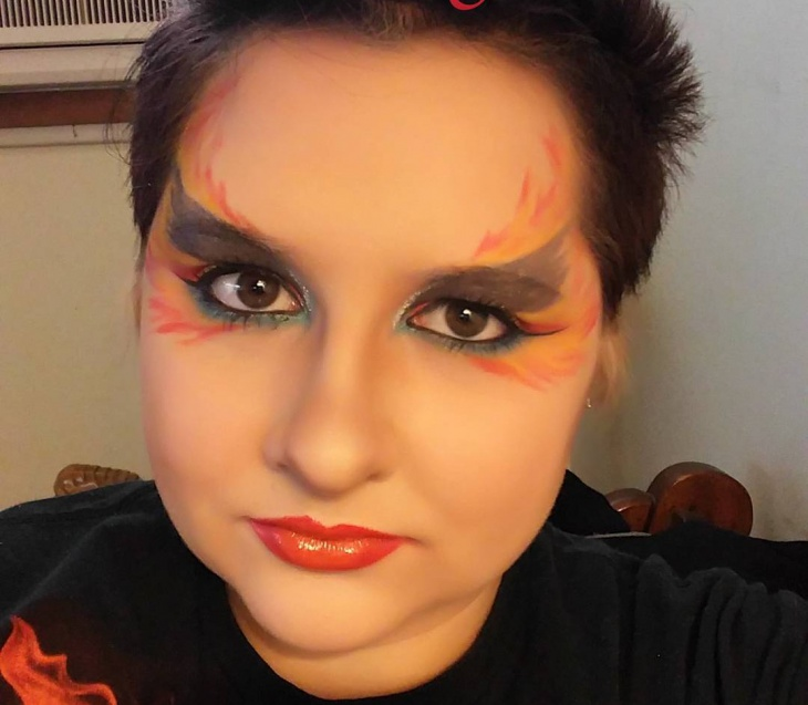 Unqiue Fire Eye Makeup Idea
