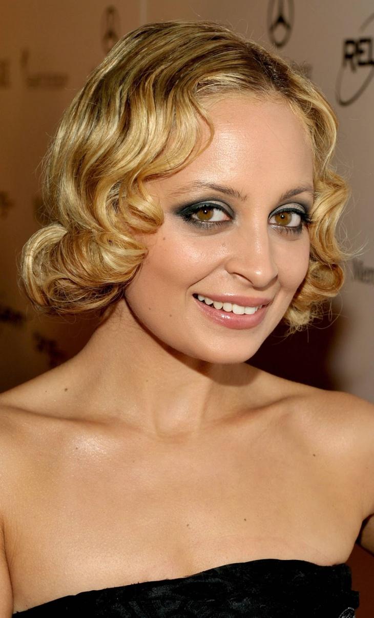 Nicole Richie Victorian Center Part Hairs