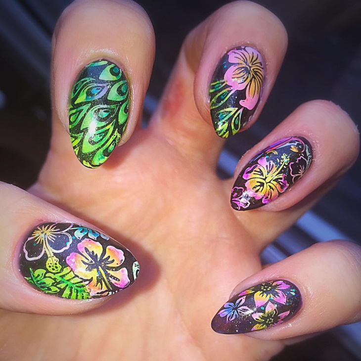 tropical hawaiian nail art idea