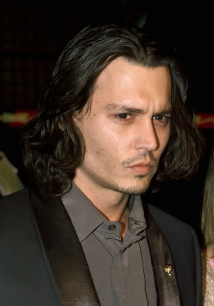 johnny depp wavy hairstyle