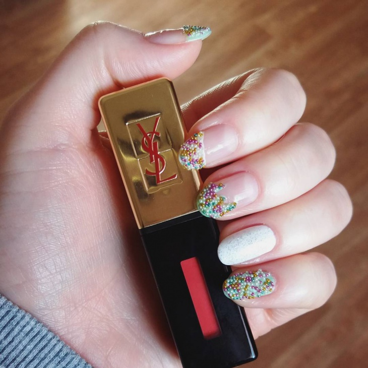 trendy caviar nail art idea