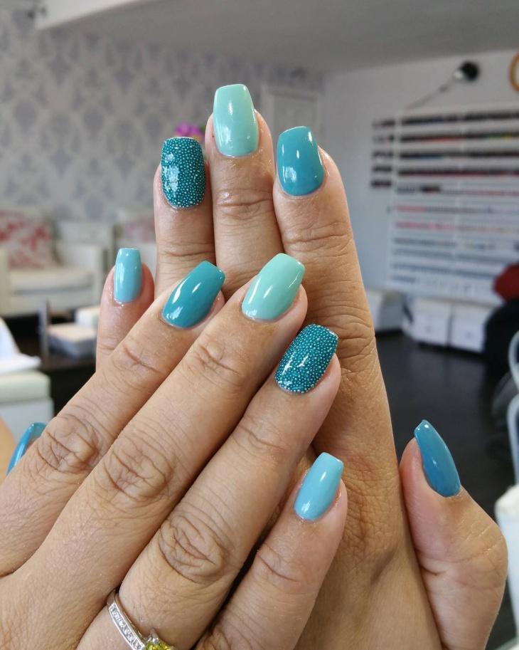 blue color gel nails