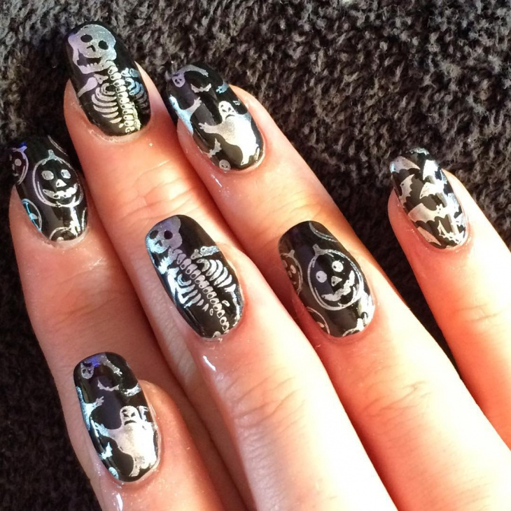 halloween bat nail art