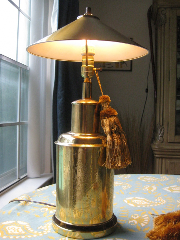 gold modern table lamp