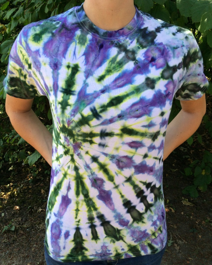 funky psychedelic t shirt