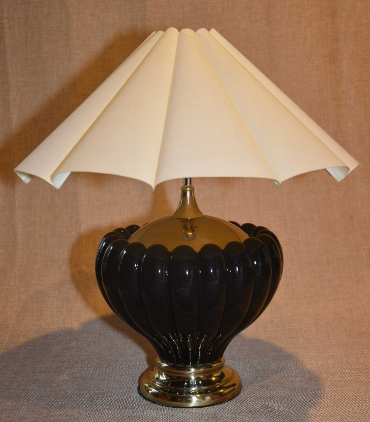 vintage tulip design table lamp