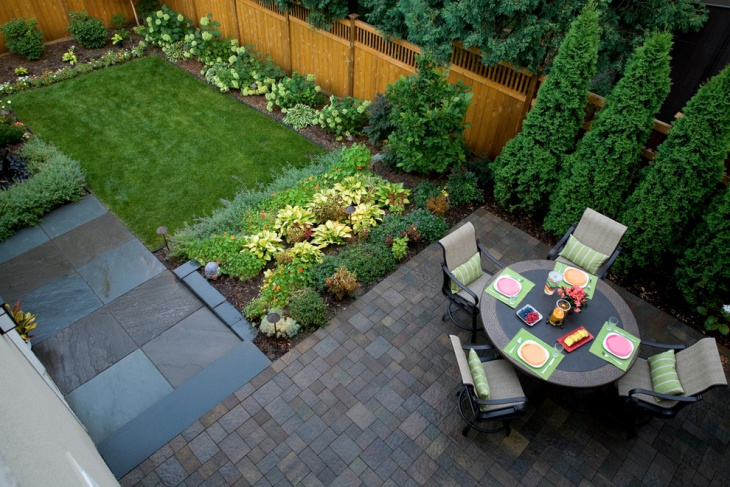 traditional small backyard idea