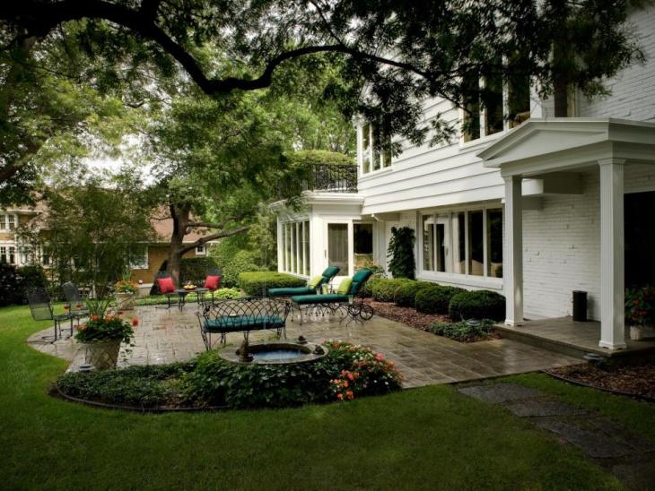 small backyard patio furnished idea