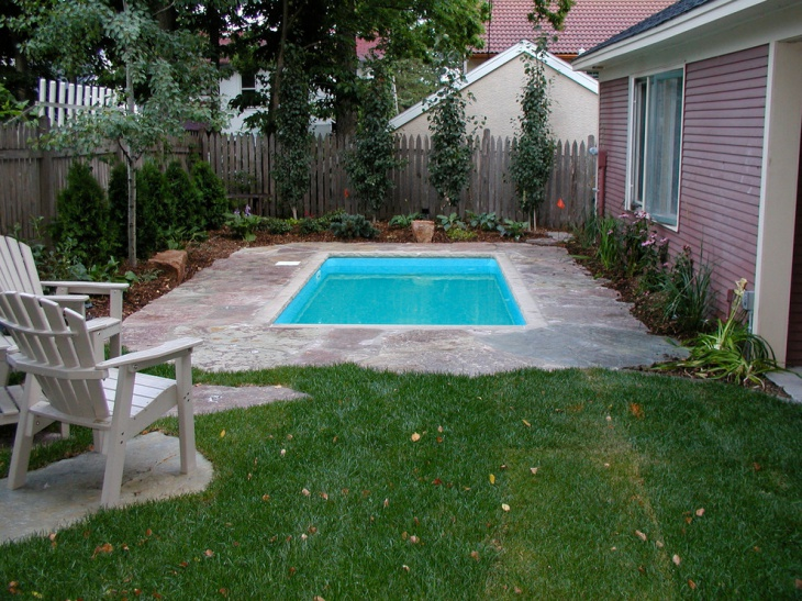 Small Urban Backyard Pool Idea