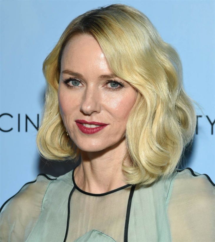 naomi watts polished surfer hair idea