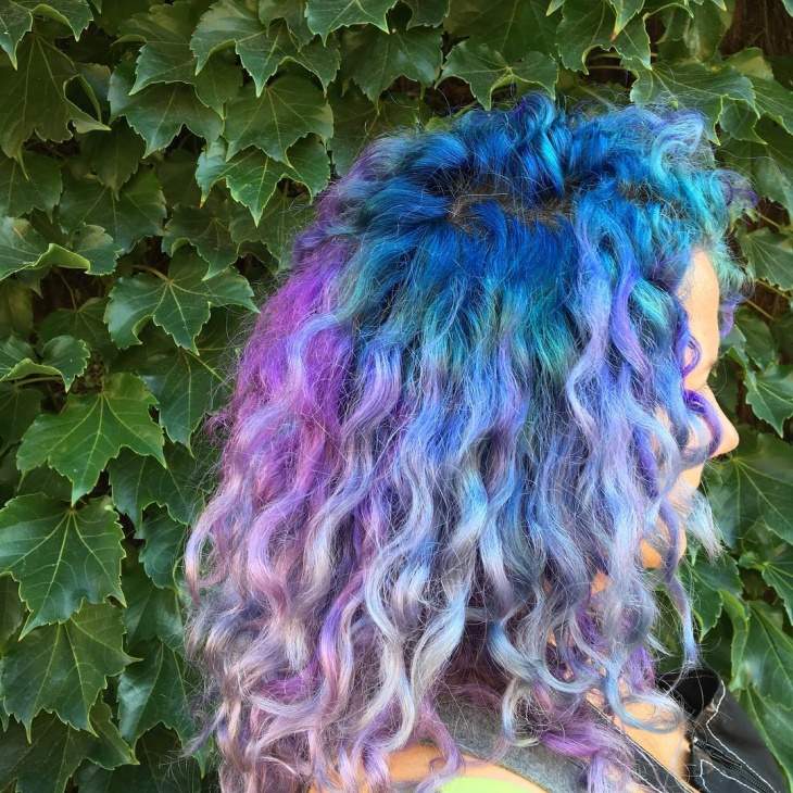 curly lilac haircut design
