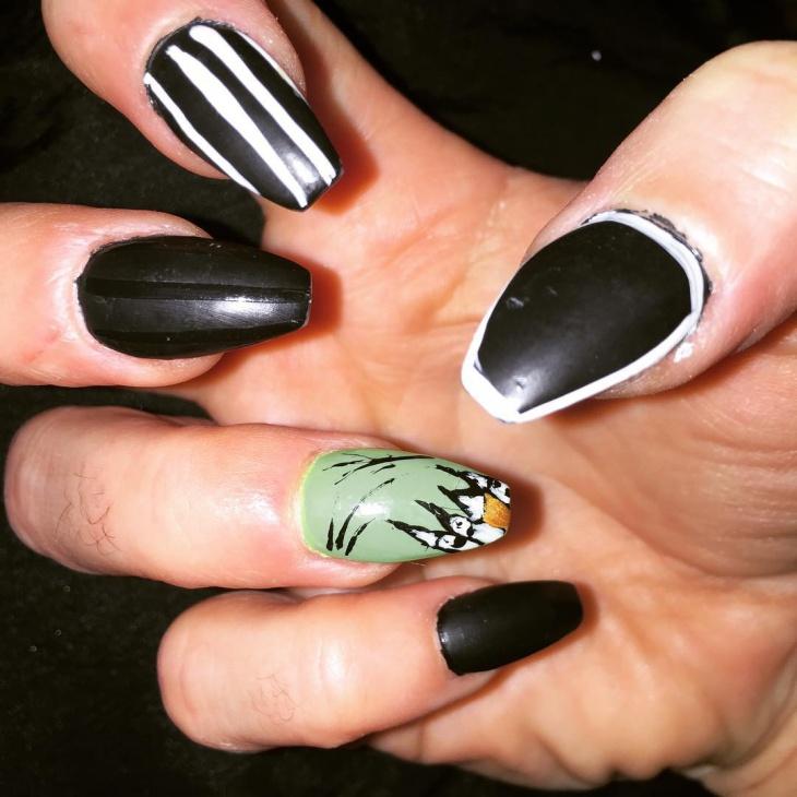 Strip Zombie Nail Art