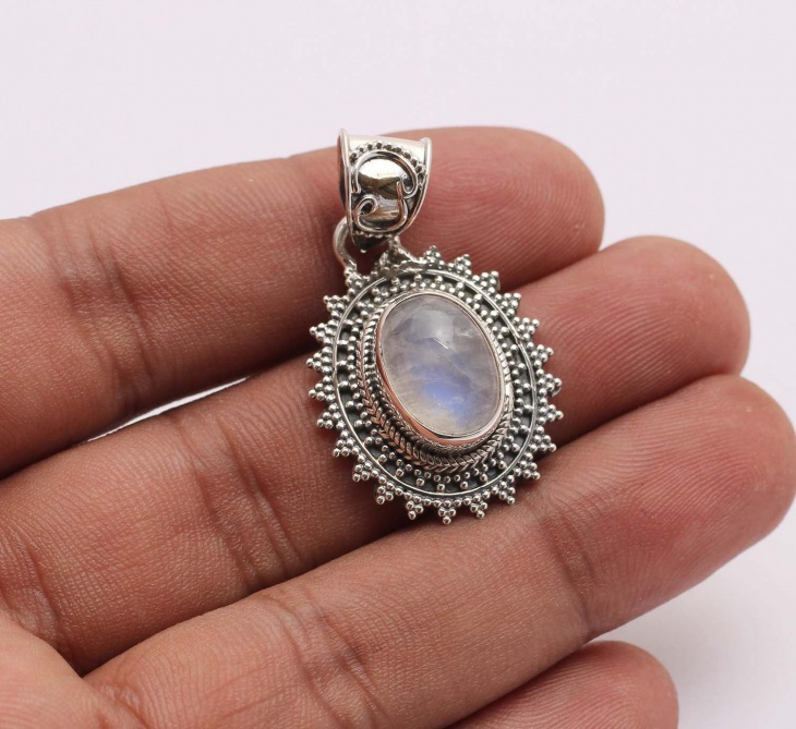 Natural Hanmade Moonstone Pendant