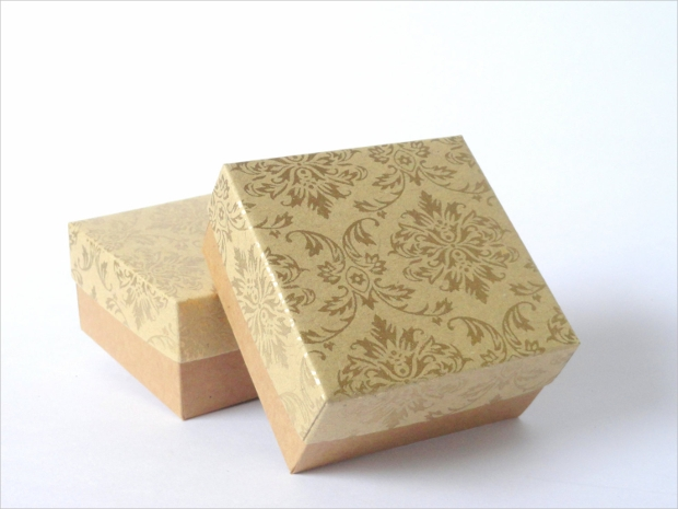 Kraft paper box in gold damask print Chocolate Packaging
