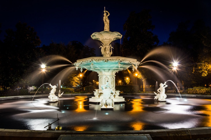Modern Fountain Light Idea