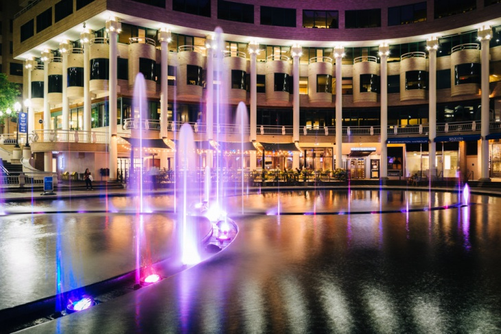 color water fountain lighting