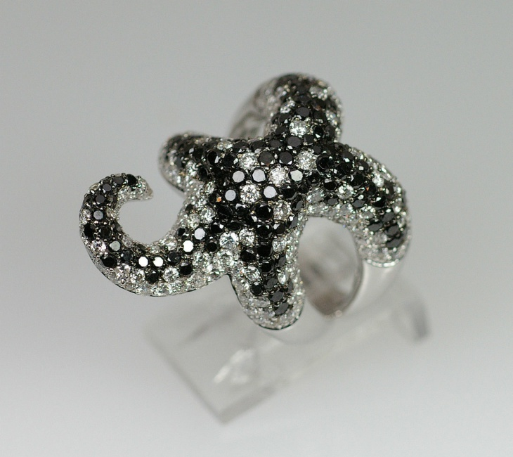 black and white diamond starfish ring