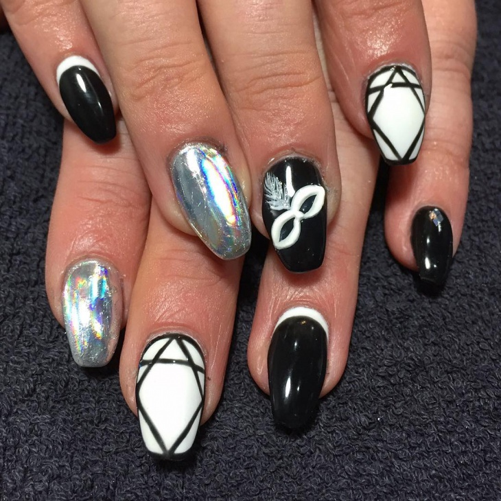 Black and White Dollar Nail Art