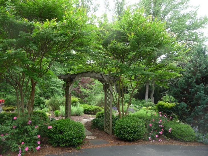 Entrance Garden Arbor Idea