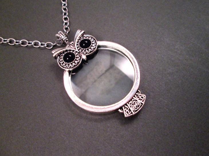 owl magnifying pendant