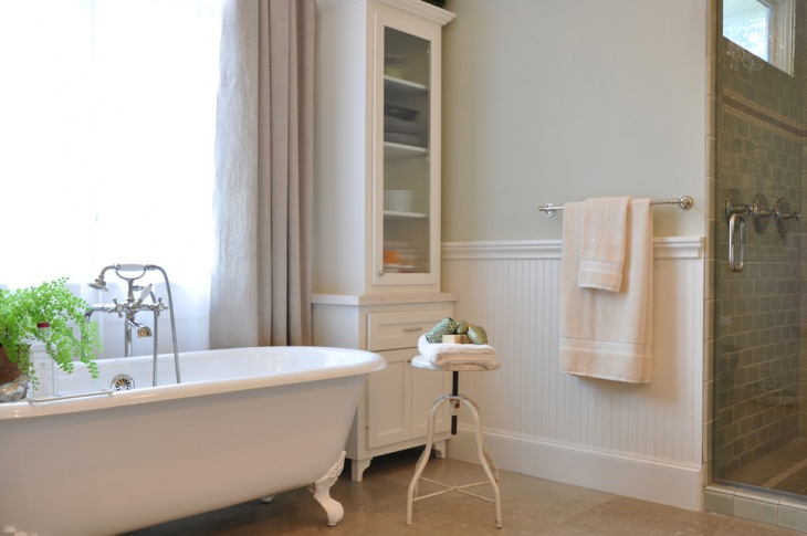 Gentil White Beadboard Bathroom
