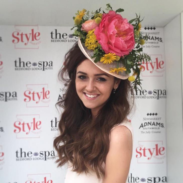 gorgeous floral hat idea